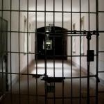 ネットビジネスで稼ぐことで社会の監獄から脱出できる